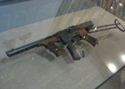 AK-SMG-1942